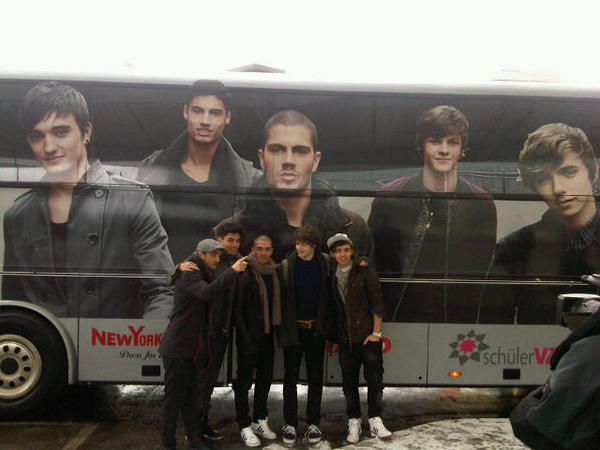Wanted tour bus