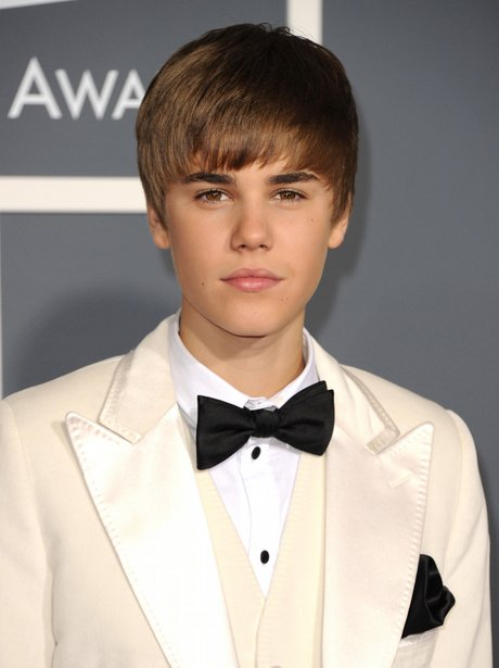 selena gomez and justin bieber 2011. hairstyles Justin Bieber and