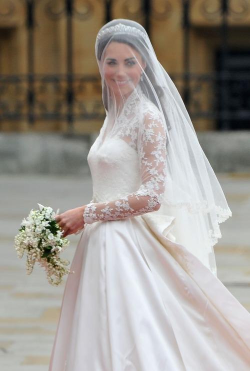Свадебное платье королевы фото 7