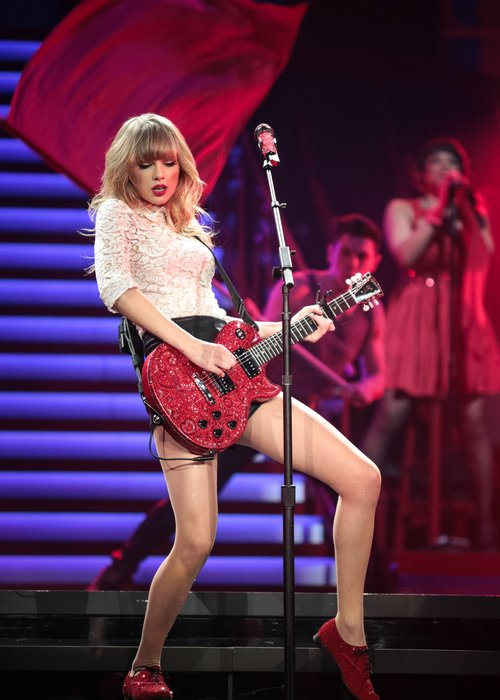 Taylor Swift Filming Red Live Tour Dvd Capital