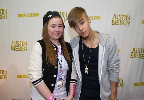Justin bieber debuts new shaved hairstyle during believe tour in check out justin biebers new haircut below picture twitterbieberfever m4hsunfo
