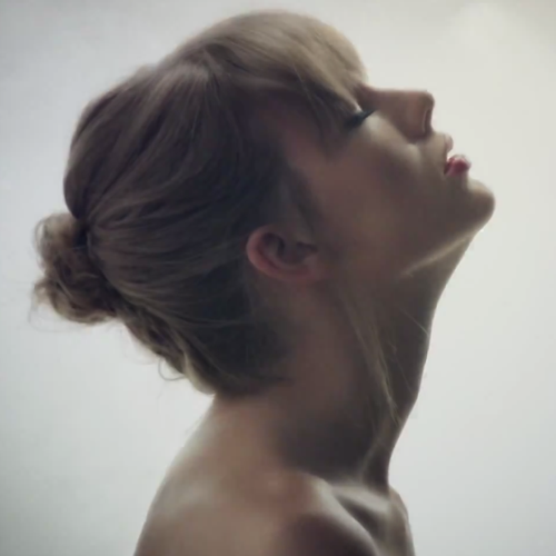Taylor Swift - 'Style' - Capital