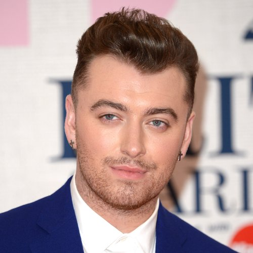[Image: sam-smith-brit-awards-red-carpet--2015-1...stom-0.jpg]