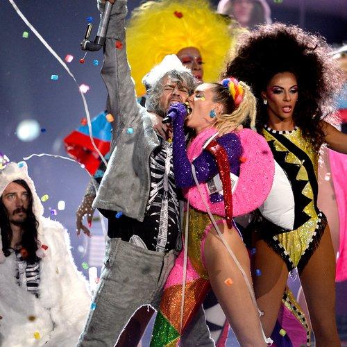 MTV VMAs 2015 miley cyrus live