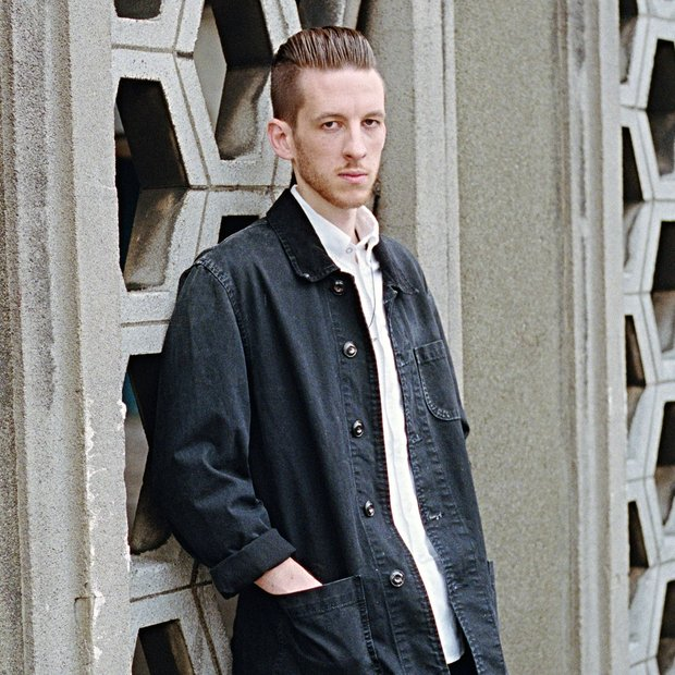 What does Sigala look like?