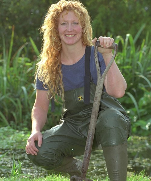 Charlie dimmock is back and she 39 s a savvy business woman for Gardening programmes on tv