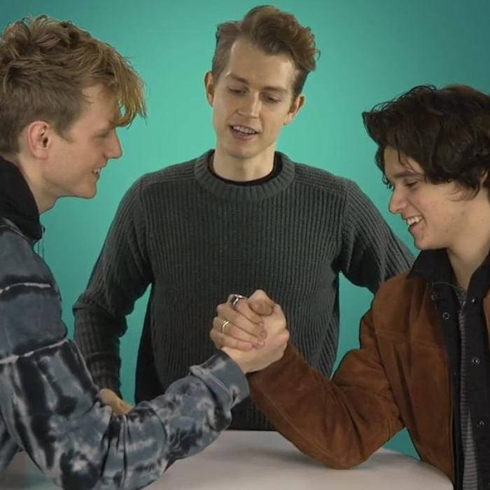 the vamps arm wrestling
