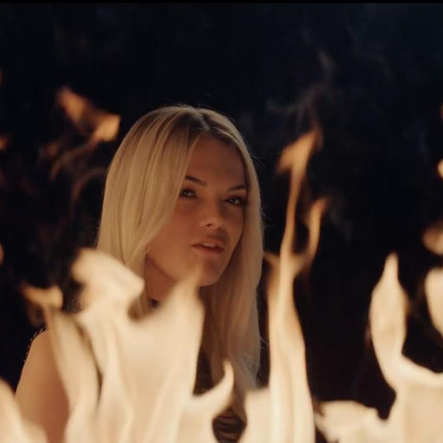 Clean Bandit feat. Louisa Johnson - 'Tears' Music Video