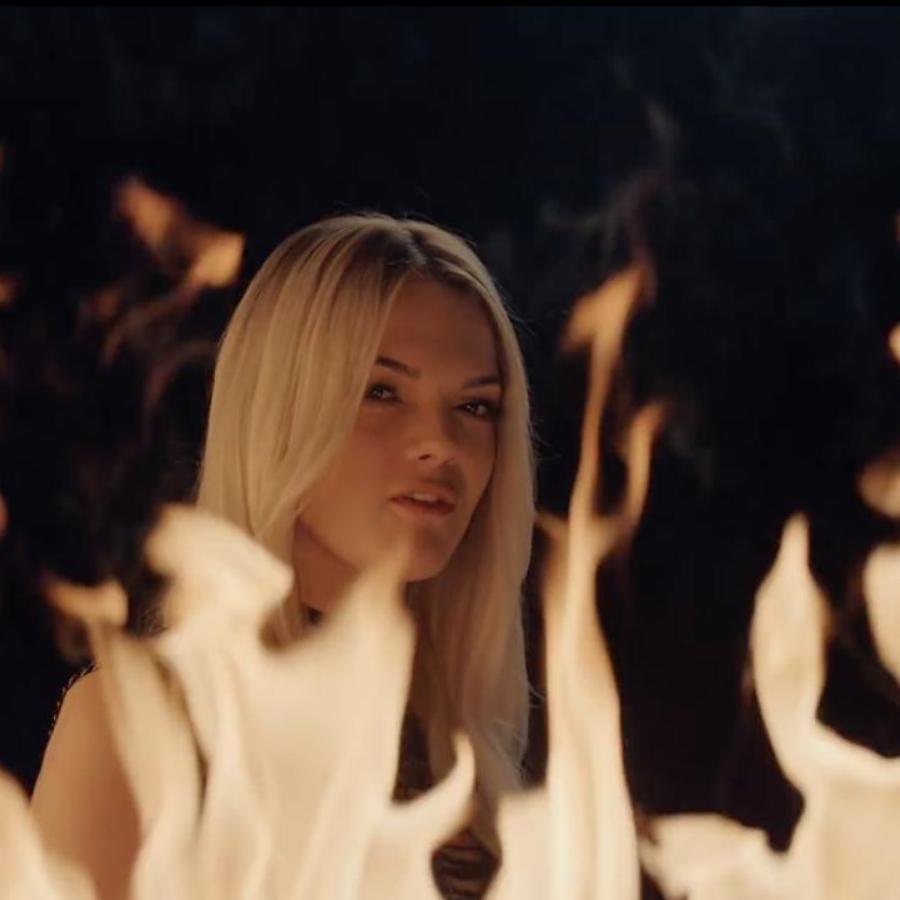 Clean Bandit feat. Louisa Johnson - 'Tears' Music Video