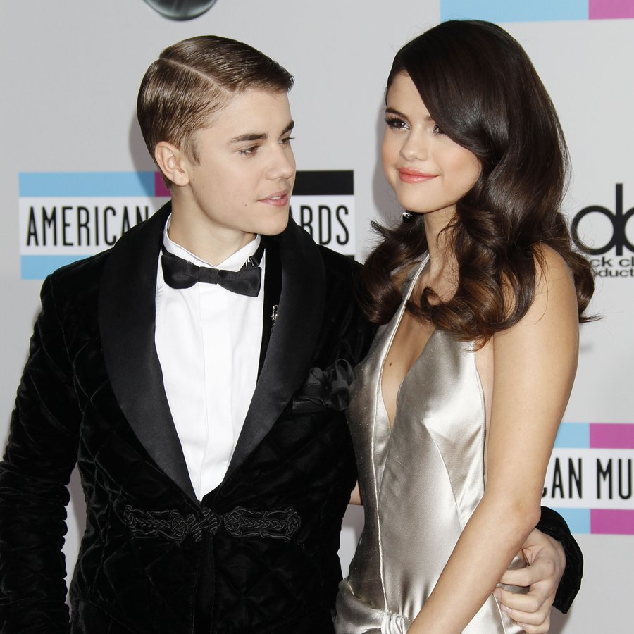 Selena Gomez and Justin Bieber 2011 American Music Awards