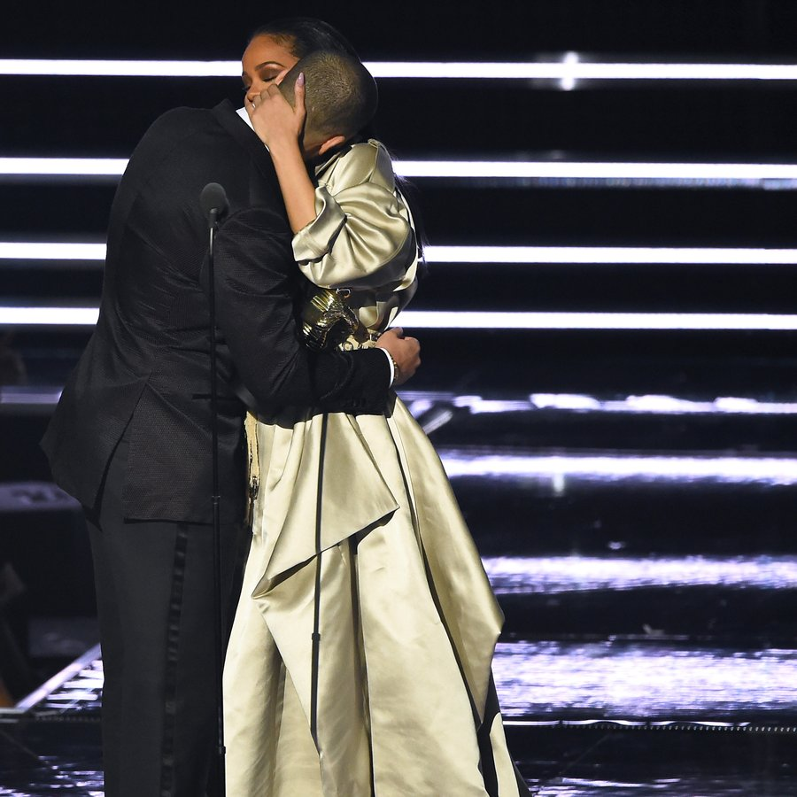 Rihanna embraces Drake as she accepts the Michael Jackson Video Vanguard Award at the MTV Video Music Awards