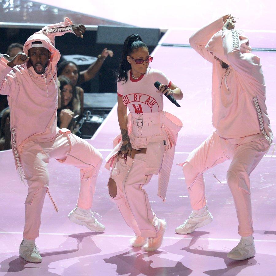 Rihanna MTV Video Music Awards 2016