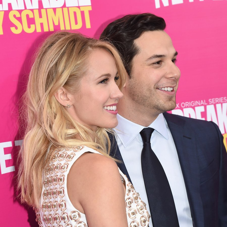 Anna Camp and Skylar Astin get married in California