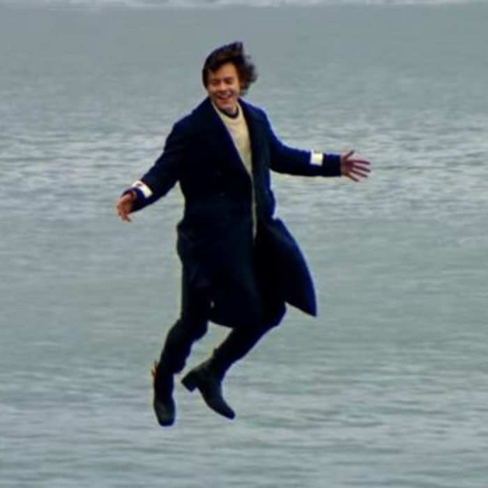 Harry Styles Releases First Video!