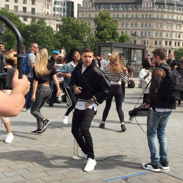 Liam Payne And Zedd Give Impromptu Performance For Surprised Londoners