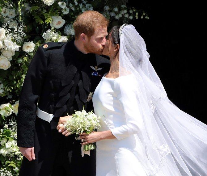 Who Designed Meghan Markle's Wedding Dress?