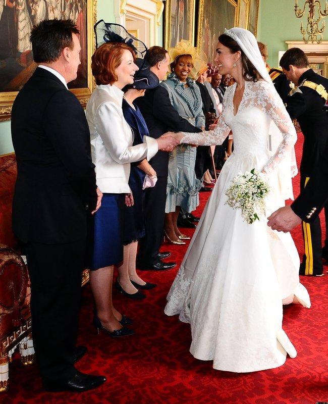 Eugenie Wedding Dress.Princess Eugenie Wedding Dress Details Cost Designer And Tiara